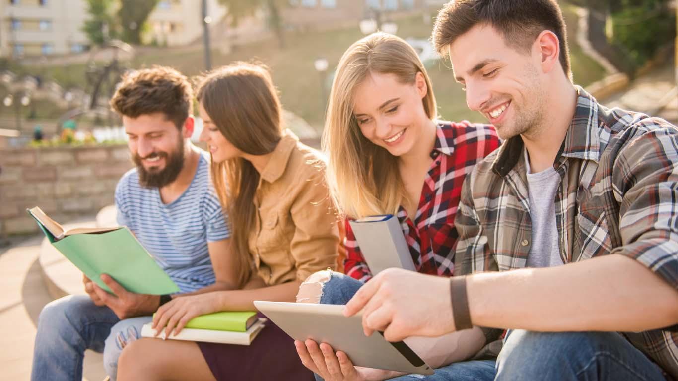 Read more about the article Studentski kredit: Financiranje školarine i troškova života